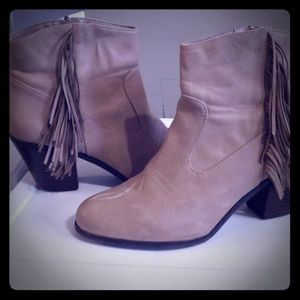 Sam & Libby Shoes - Pre owned in good condition fringe booties